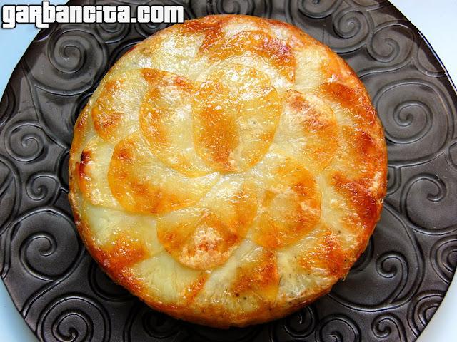 Pastel de patatas con queso Idiazábal y romero