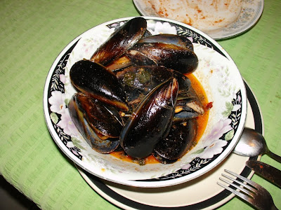 Mussels with tomato and chilli