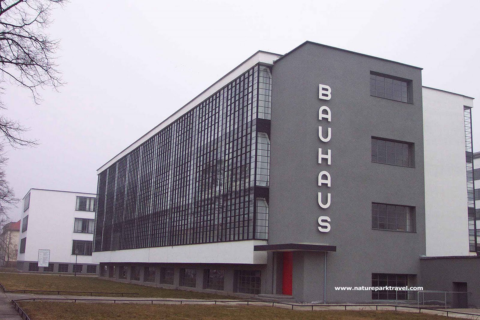 Modern art with professor blanchard expressionist for Architecture bauhaus