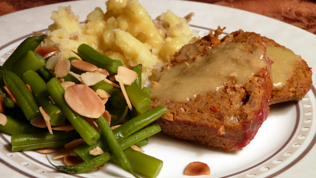 Meatloaf Dinner Hearty vegan meatloaf dinner