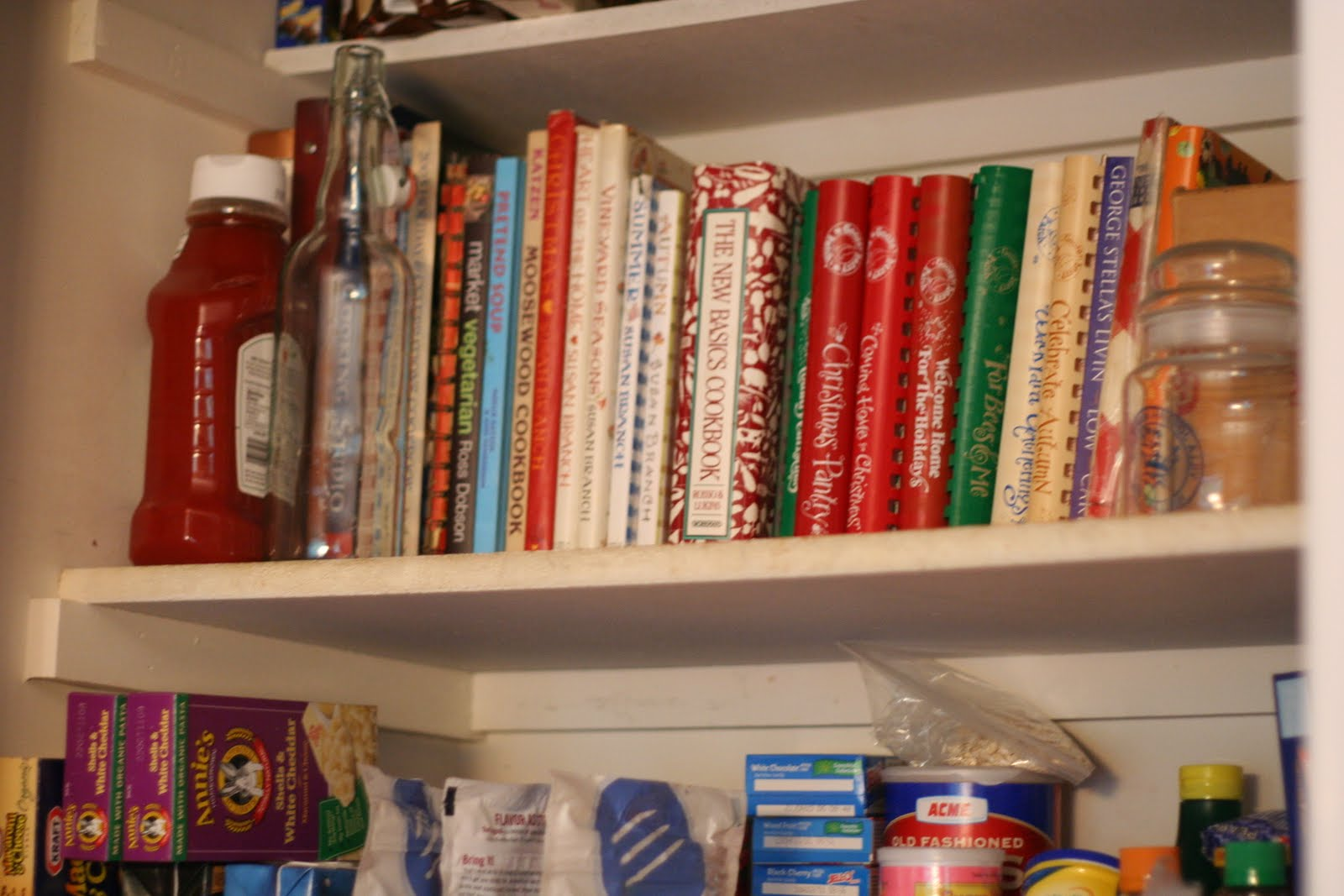 IHeart Organizing: Reader Space: Heather's Pretty Pantry. Full resolution  portraiture, nominally Width 1600 Height 1067 pixels, portraiture with #AC311F.