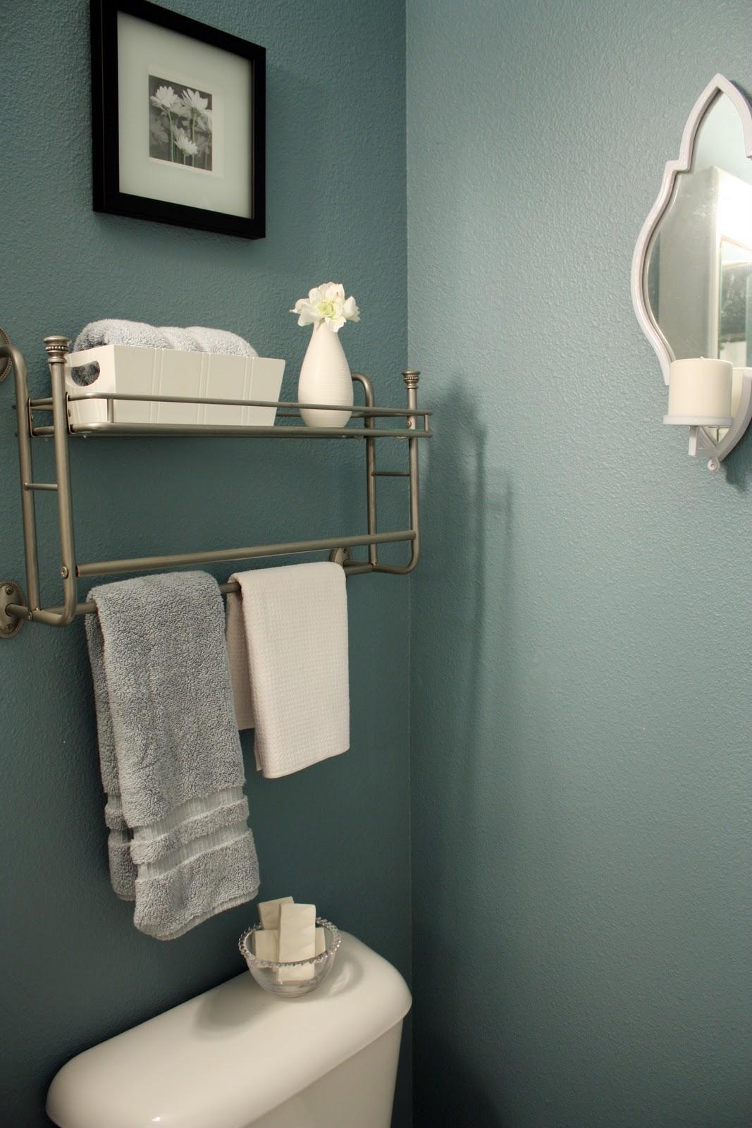 Разорвали стену в туалете 15 фотография