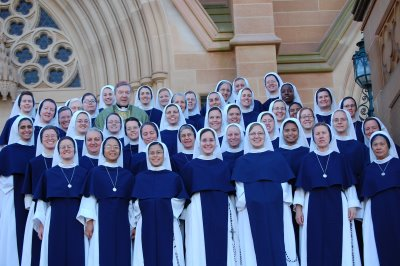 [Image: Sister+of+Life+in+Australia+with+Cardinal+Pell.jpg]