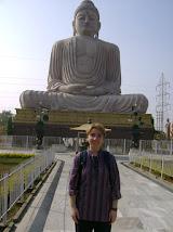 superba statuie a lui Buddha din Bodhgaya, India