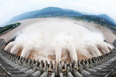 world's largest dam