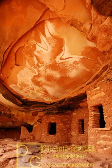 fallen roof anasazi indian ruin in the grand gulch