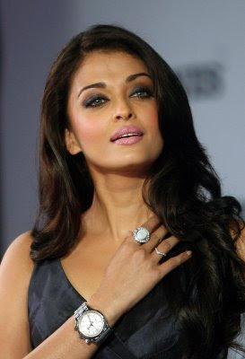 Aishwarya_Rai_for_Launch_of_a_new_Longines_watch_in_Mumbai