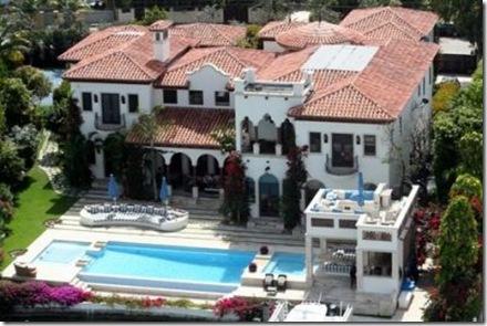 FAMA   (con los del foro)por: Starkiller&Hatari Alejandrosanz-sgae-mansion