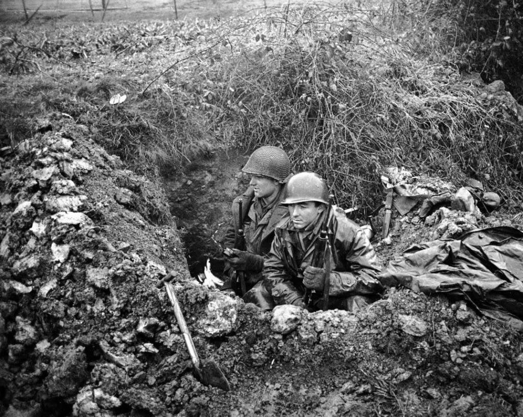 http://4.bp.blogspot.com/_CsDPIVIWcF8/TQ9tLpGpjqI/AAAAAAAAB_Y/EOwhtKHiN-U/s1600/soldiers.jpg
