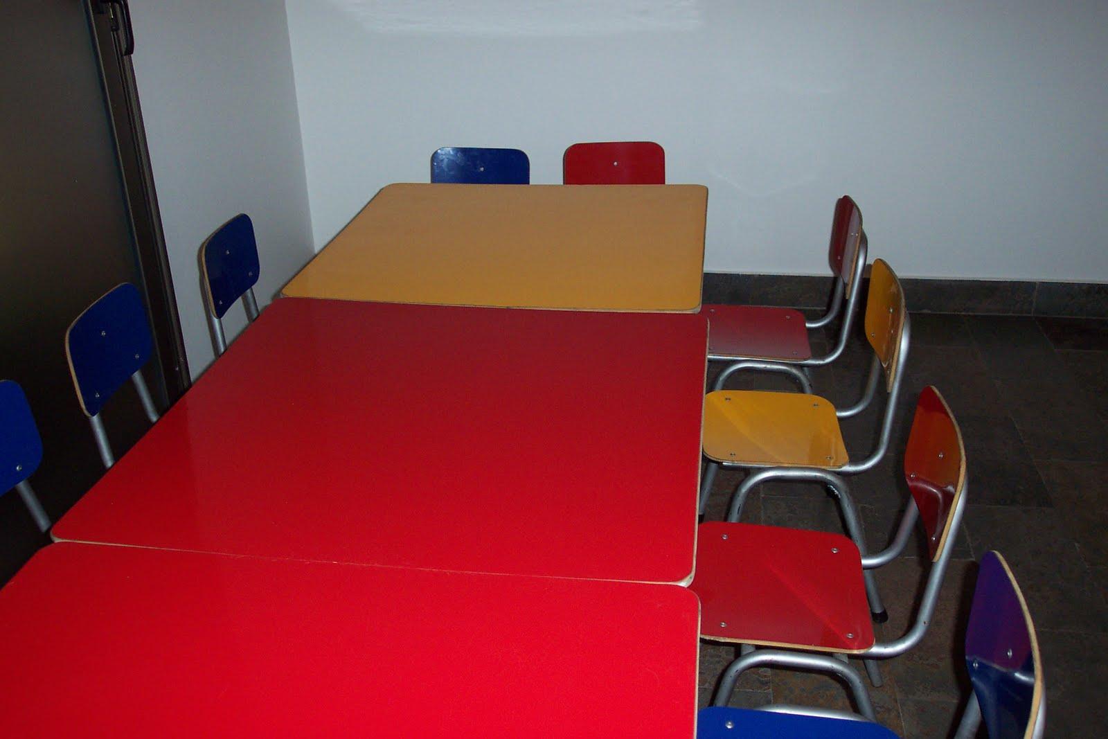 Mesas y sillas infantiles julio 2010 for Ondarreta mesas y sillas