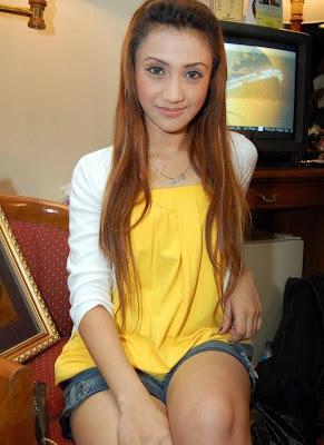 Defvia Hamzah