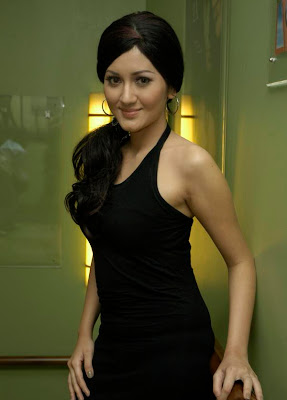 Nana Khairina