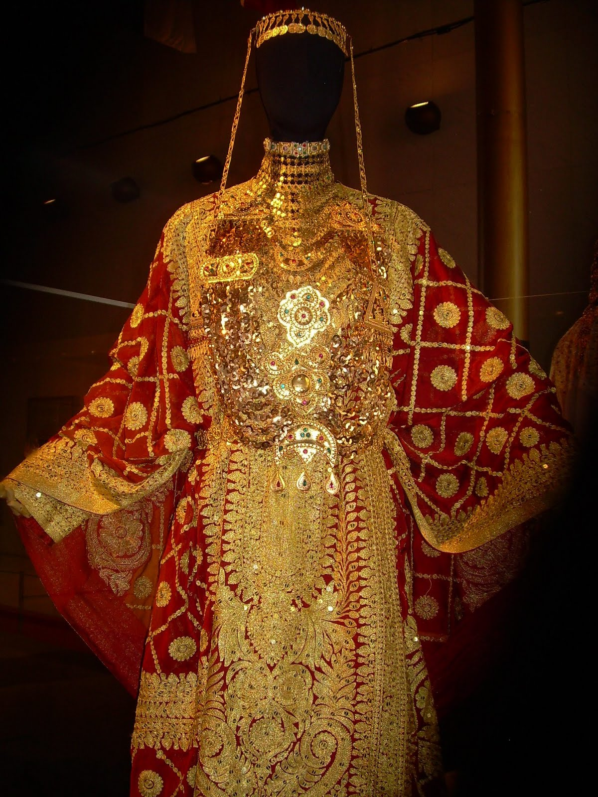 Wedding Dresses Qatar : Costume history is fun brides of the arab world kuwait