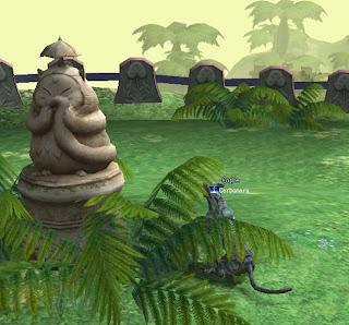 謎の島内、石像
