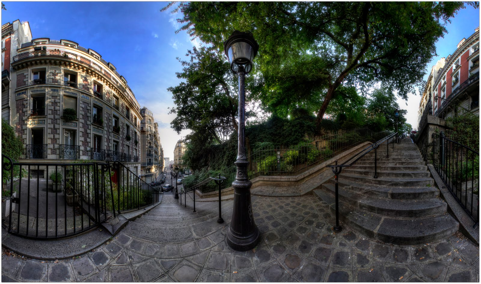 Rue Paul Albert, Montmartre (Paris 18).Panorama 360 Hdr