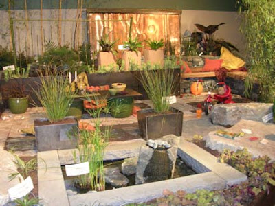 The jewel box home decorating a small outdoor space - Gardens in small spaces property ...