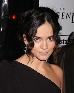 La web de Predators nos presenta a Isabelle interpretada por Alice Braga