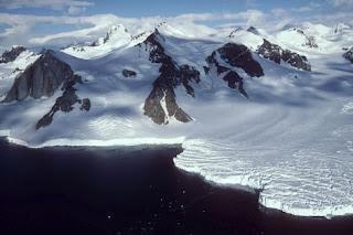 El deshielo de los glaciares se acelera en la Antártida. EFE