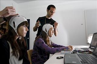 Un estudio revela que el proceso del lenguaje está en una pequeña área del cerebro. epa