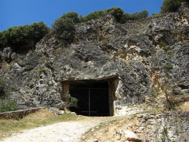 Polvorines de Hontoria, las cuevas de la guerra Phontoria03