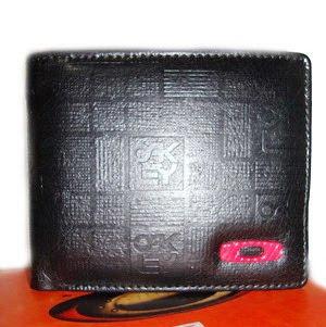 dompet oakley untuk pria