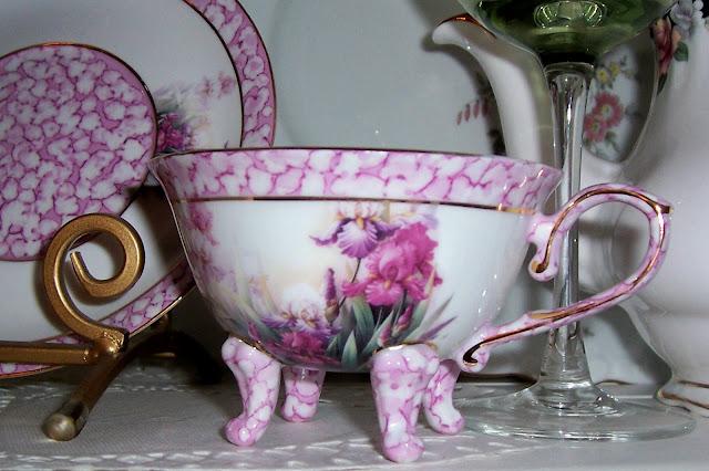 [iris+teacup.jpg]