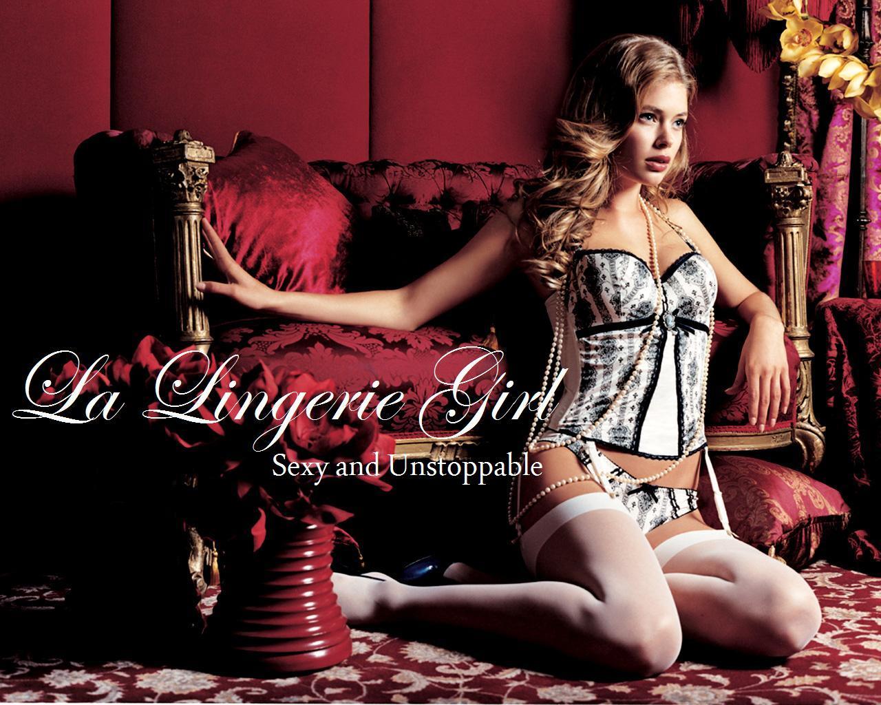 La Lingerie Girl