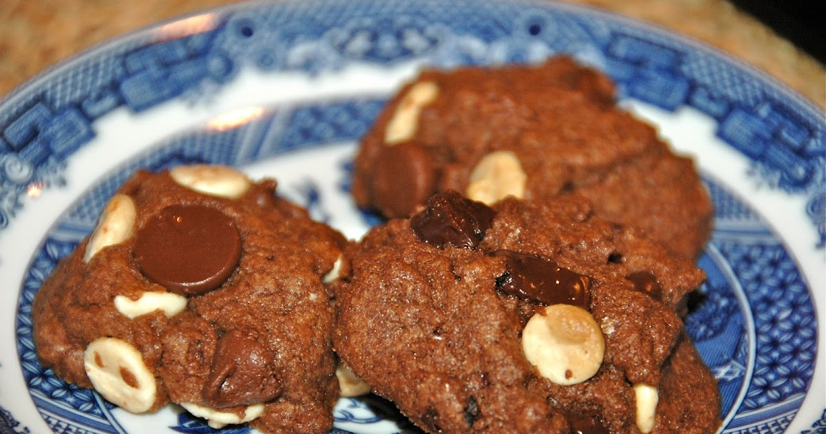 Mama Mel Loves...: Chocolate Overload Cookies