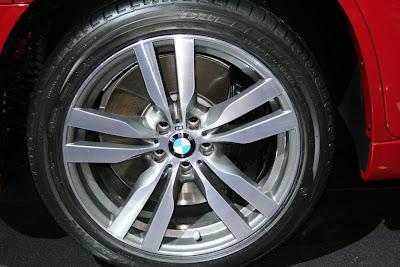 BMW X6 M wheel