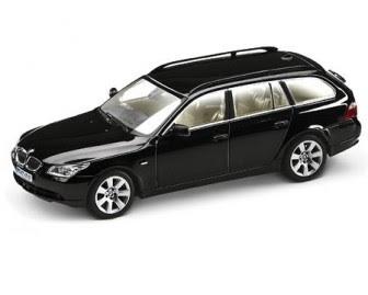 BMW 5 Touring Black Sapphire miniature