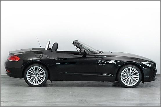 used 2009 BMW Z4 photo
