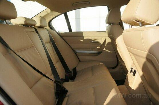 used 2007 BMW 320i interior