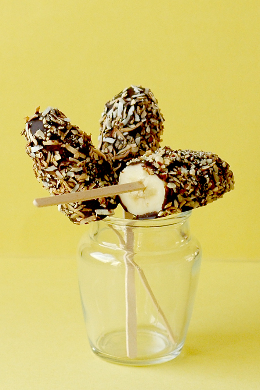 ... the Kitchen: Frozen Chocolate-Covered Banana Pops - A 'Cheap 'Treat