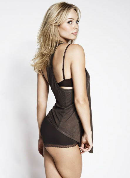 laura vandervoort wallpapers. Laura Vandervoort In Her Cute