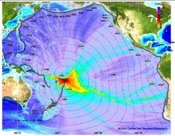 Mapa de tiempo de viaje y alturas de ola del tsunami en el Pacífico