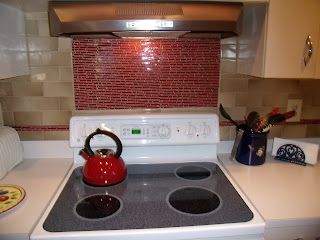 do it yourselfer judy installed 3x6 florida retro flair sandbeige subway tile with a fantastic indian brick red glass from lunada bay tile - Judys Kitchen