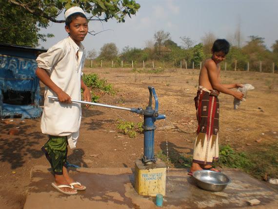 Wajah Anak Pesantren Kemboja