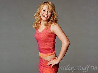 Hilary Duff Nice Clothes Wallpaper