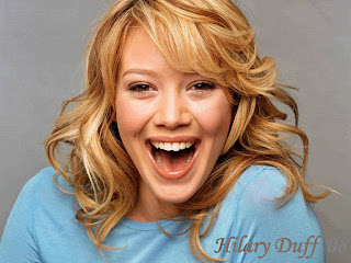 Hilary Duff Smile Wallpaper