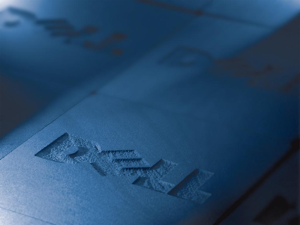 http://4.bp.blogspot.com/_D6V8KS70KD8/TJ4fx8QwjrI/AAAAAAAACr8/Jb6H9Fl6hrA/s1600/Dell_OEM_Edition.jpg