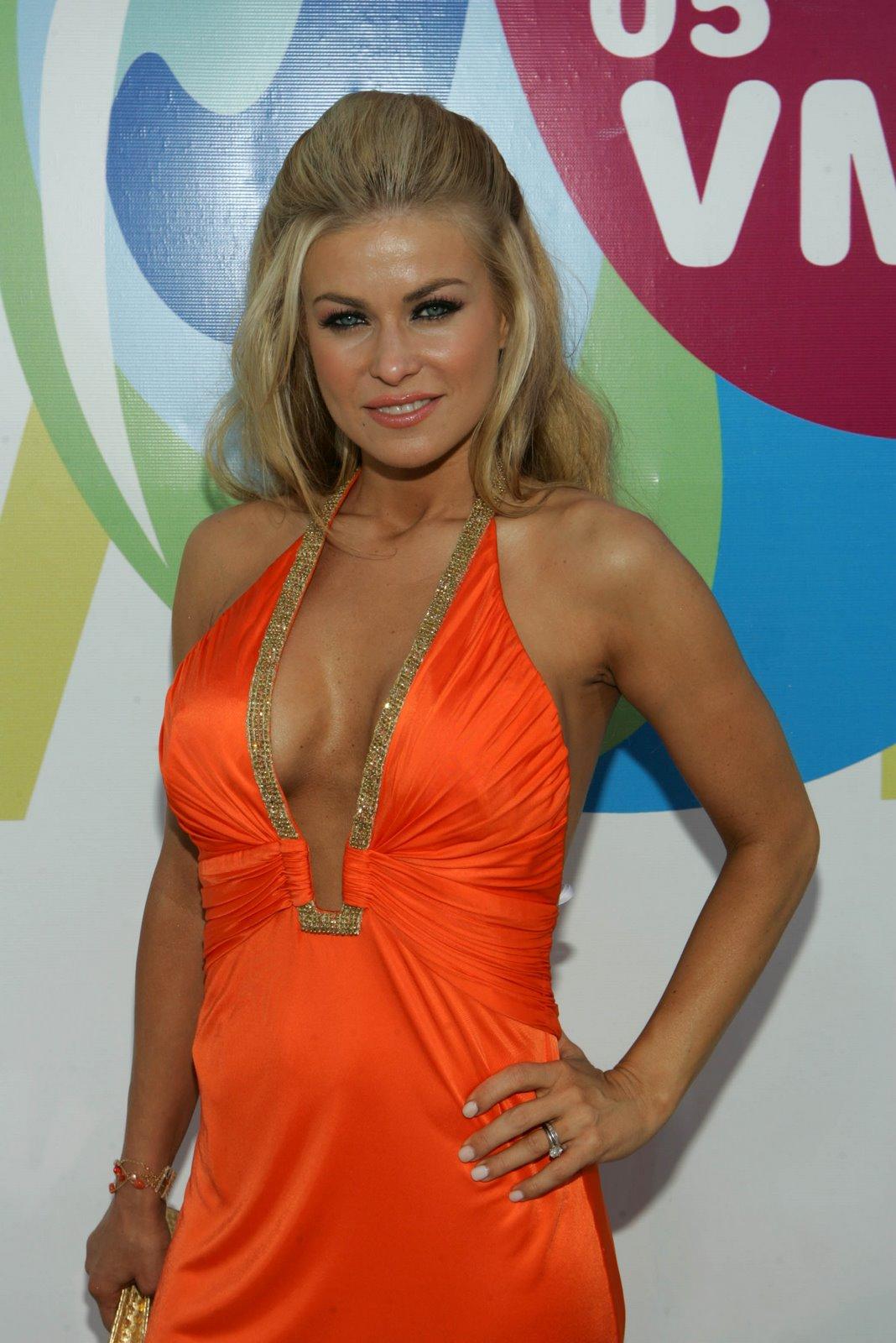 http://4.bp.blogspot.com/_D7HeuMReRVk/R1IRKt4dn7I/AAAAAAAAAfs/mbwyyLupzyM/s1600-R/Carmen_Electra___2005_MTV_Video_Music_Awards___carmenelectraarrivesto2005mtvv2.jpg
