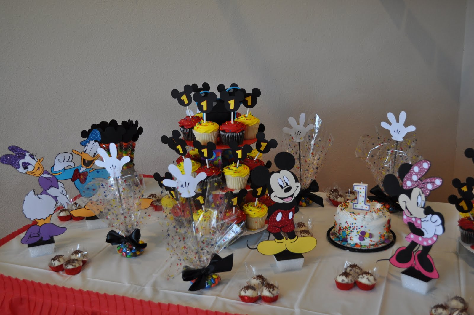 Tx scrapper mom mickey mouse clubhouse birthday for Decoration goods