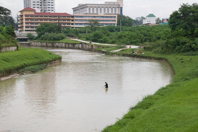 Sungai ini sungai ni femes kat kolompo korang tengok dalam gambar