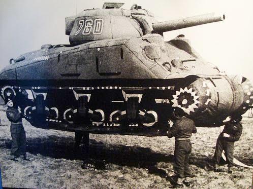 Bild des Tages Gummi-panzer