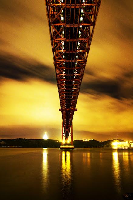 Assim rasgo os ceús - Ponte 25 de Abril, Lisboa