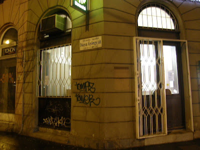 falfirka, rongálás, Budapest,  blog, Groupama Garancia Biztosító, OTP,  XIII. kerület, Magyarország, street-art,   public art,  vandalizmus,  tag,  teg,  teggelés,  tagger, writers, igénytelenség,