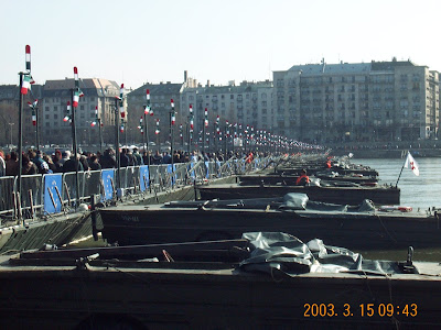 2003, Budapest, csatlakozás, EU, Európa-híd, március 15, Pontonhíd, Supergroup