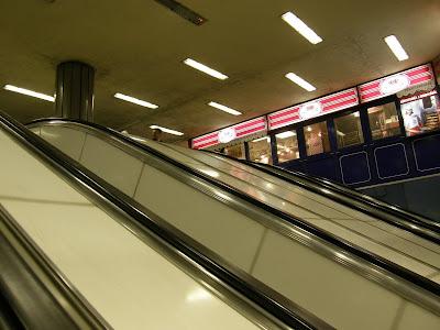 Ferenc körút, metróállomás, metró, subway, HÉV megálló, Budapest, IX. kerület, U-bahn, Princess pékség, mozgólépcső