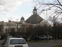 Budapest, Körösi Csoma Sándor út, lakótelep, panel, X. kerület. Mindenki temploma, Emberbarát alapítvány