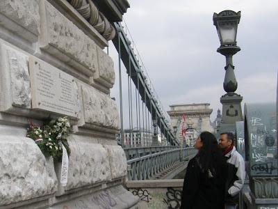 Dunapart, emléktábla, Hollán, Hollán Sándor, Lánchíd, Széchenyi híd, Tanácsköztársaság, Tomcat